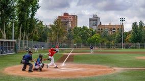 Jugar a béisbol en la vieja explosión del río del turia, Valencia Fotografía de archivo libre de regalías