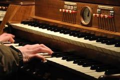 Jugar el órgano Foto de archivo libre de regalías