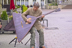 Jugar el balalaika Foto de archivo