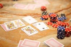 Jugar el póker con los amigos Imagen de archivo