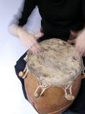 Jugar handdrum Imagen de archivo libre de regalías