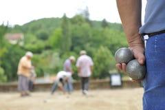 Jugar a jeu de boules Fotos de archivo libres de regalías