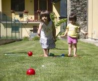 Jugar la bola de bocce Imagen de archivo