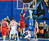 Jugar a las personas de baloncesto Imagen de archivo libre de regalías