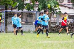 Jugar los deportes para la salud Imagenes de archivo