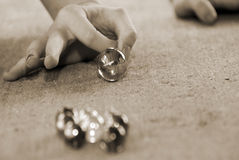 Jugar los mármoles