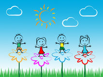 Jugar a niños indica tiempo de verano y ocio Fotos de archivo