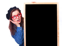 Jugendlich Geschenk mit Tafel. Stockfoto