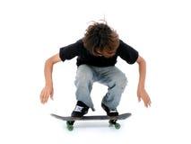 Jugendlich Junge mit Skateboard über Weiß stockfotos