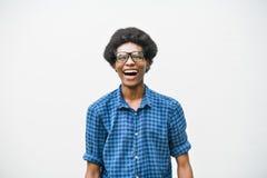 Jugendlich Jungen-lächelndes Porträt-Konzept der afrikanischen Abstammung Stockfoto