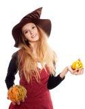 Jugendlich Mädchen, das Halloween-Kostüm trägt Stockfotografie