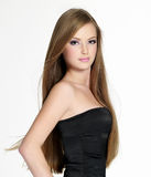 Jugendlich Mädchen der schönen Sinnlichkeit mit dem langen Haar Stockfotografie