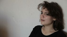 Jugendlich Mädchen im Tiefstand stock video footage