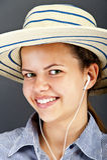 Jugendlich-Mädchen-Listen-Musik Stockfotografie