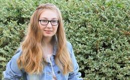 Jugendlich Mädchen mit Art Lizenzfreie Stockfotos