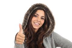 Jugendlich Mädchen mit dem Daumen hoch und dem Lächeln Lizenzfreies Stockbild
