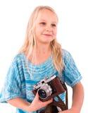 Jugendlich Mädchen mit Retro- Kamera auf einem weißen Hintergrund stockfoto
