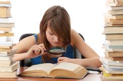 Jugendlich Mädchenlernen stockfotos