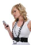 Jugendlich Mädchenprüfungsnachrichtenübermittlung Lizenzfreie Stockfotos