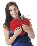 Jugendlich mit liebevollem Kissen Lizenzfreies Stockfoto