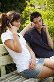 Jugendlich Paarlächeln Stockbilder