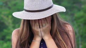 Jugendlich schreiendes deprimiertes Mädchen Lizenzfreie Stockfotografie