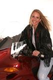 Jugendlich windiges Haar des Motorrades lizenzfreies stockfoto