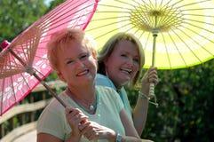 Jugendliche ältere Frauen Stockbild