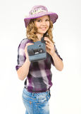 Jugendliche, die eine polaroidkamera hält Lizenzfreies Stockbild