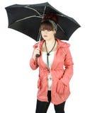 Jugendliche mit Regenschirm lizenzfreie stockfotos