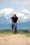 Jugendlicher auf Fahrrad stockfoto