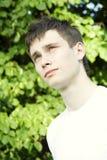 Jugendlicher im Park Stockfotografie