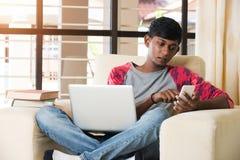 Jugendlicher indischer Mann Stockfotografie