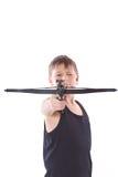 Jugendlicher mit einem Crossbow Stockfoto