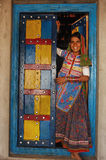 Jugendliches Mädchen in landwirtschaftlichem Indien Lizenzfreies Stockbild