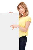 Jugendlichmädchen mit unbelegtem Vorstand Lizenzfreies Stockfoto