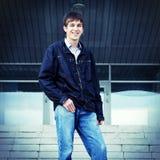Jugendlichportrait im Freien Lizenzfreie Stockfotos