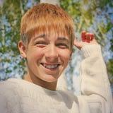 Jugendlichportrait im Freien Stockfoto