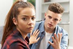 Jugendpaare, die Verhältnis-Schwierigkeiten haben Lizenzfreies Stockbild