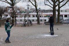 Juggler с пузырями мыла Стоковое фото RF