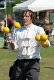 Juggler presteert bij het Festival van de Lente Royalty-vrije Stock Afbeeldingen