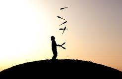 Juggler van de zonsondergang Royalty-vrije Stock Afbeelding