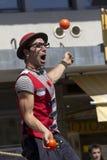 Juggler w ulicie Zdjęcia Stock