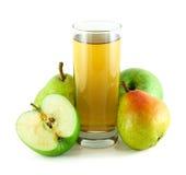 Jugo de Apple y de la pera con las manzanas y las peras Imagen de archivo libre de regalías