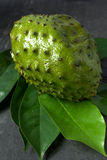 Jugo de la guanábana Fotos de archivo