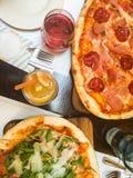 Jugo de la pizza y de la limonada Foto de archivo libre de regalías