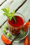 Jugo de tomate con apio fotografía de archivo