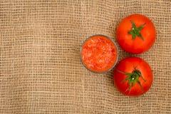 Jugo de tomate recientemente exprimido Foto de archivo