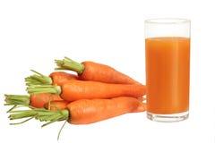 Jugo de zanahoria fresco aislado Foto de archivo