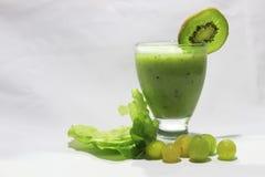 Jugo verde del kiwi Fotografía de archivo